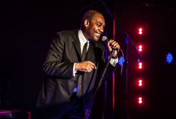 "Joe Morton as comedian Dick Gregory in a scene from ""Turn Me Loose"" (Photo credit: Monque Carboni)"