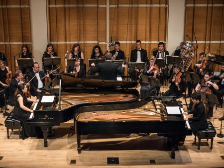 Pianists Yoon-Jee Kim and Jackie Jaekyujg Yoo with SONOS Chamber Orchestra at Merkin Hall (Photo credit: Paul Olivier Doury)