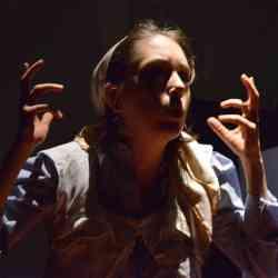 Le Théâtre d'Anoukis - Des Larmes de Sang - Maud Ardiet