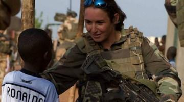 Soldat féminin