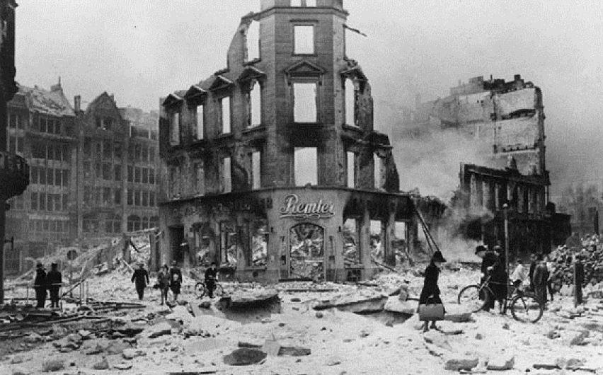 Bombardement de Hambourg (1943)