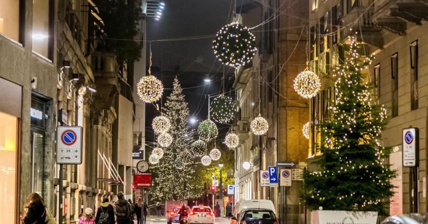Il Montenapoleone District si accende con la 'Christmas Shopping Experience'
