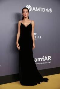 Alessandra Ambrosio in Tommy Hilfiger and Lorraine Schwartz all'amfAR Hong Kong Gala, Hong Kong