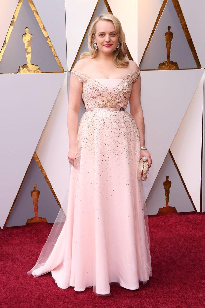 Elizabeth Moss in Dior agli Oscars 2018, LA