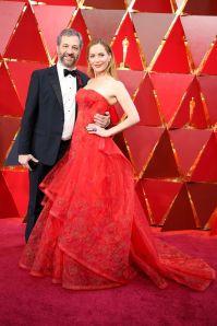 Judd Apatow e Leslie Mann in Zac Posen agli Oscars 2018, LA