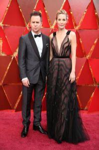 Sam Rockwell e Leslie Bibb in J.Mendel agli Oscars 2018, LA