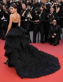 Camila Coelho in Ralph & Russo al Cannes Film Festival 2018