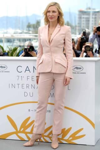 Cate Blanchett in Stella McCartney al Jury photocall, Cannes Film Festival