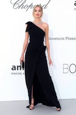 Daphne Groeneveld in Dsquared all'amfAR Gala, Cannes