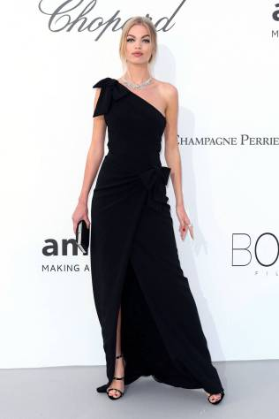 Daphne Groeneveld in Dsquared all'amfAR Gala, Cannes