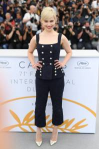 Emilia Clarke in Dolce & Gabbana al 'Solo A Star Wars Story' photocall, Cannes Film Festival