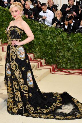 Emilia Clarke in Dolce and Gabbana al Met Gala 2018