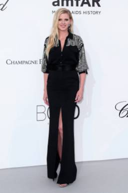 Lara Stone in David Koma all'amfAR Gala, Cannes