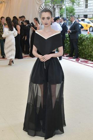 Lily Collins in Givenchy al Met Gala 2018