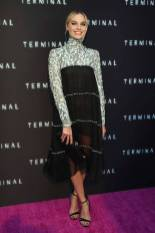 Margot Robbie in Chanel alla 'Terminal' premiere, Los Angeles