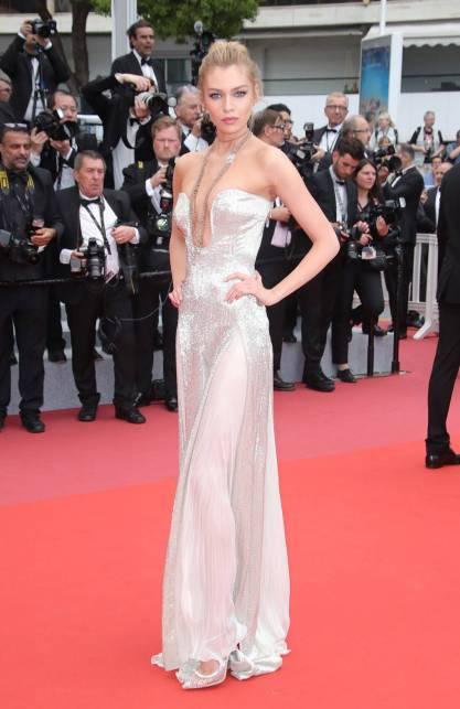 Stella Maxwell in Roberto Cavalli al Cannes Film Festival 2018