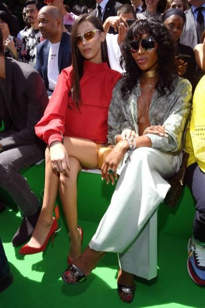 Bella Hadid e Naomi Campbell in Louis Vuitton in Louis Vuitton al Louis Vuitton SS 2019 menswear show, Paris