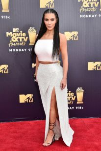 Kim Kardashian West in Atelier Versace agli MTV Movie & TV Awards 2018