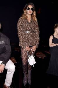 Lily Collins in Johanna Ortiz e gioielli Cartier al Cartier Queen's Cup at Guard's Polo Club, Windsor