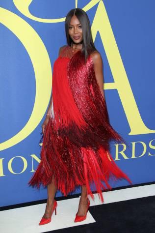 Naomi Campbell in Calvin Klein ai CFDA Awards 2018