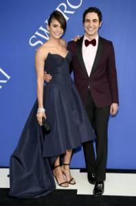 Nina Dobrev in Zac Posen e Zac Posen ai CFDA Awards 2018
