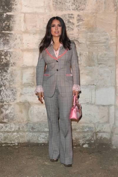 Salma Hayek in Gucci al Gucci Cruise 2019 Show, Arles, France