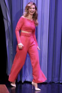Lily James in Emilia Wickstead al The Tonight Show