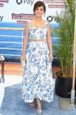Selena Gomez in Oscar De La Renta alla premiere of Hotel Transylvania 3 Summer Vacation, California.
