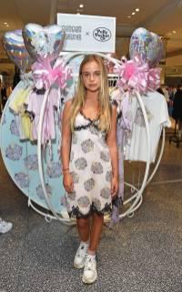 Amelia Windsor al Mimi Wade x Polly Pocket Launch at Selfridges, London