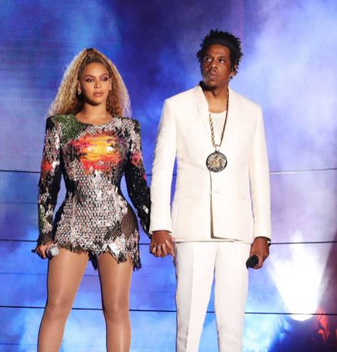 Beyonce in Balmain e Jay Z in Versace al Beyoncé and Jay-Z 'On The Run II' tour, Buffalo