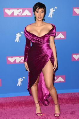 Cardi B in Nicolas Jebran e gioielli Lorraine Schwartz agli MTV VMA 2018