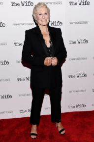 Glenn Close in Alexander McQueen alla screening of The Wife