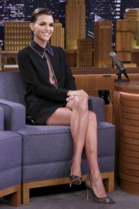 Ruby Rose in Victoria Beckham al The Tonight Show