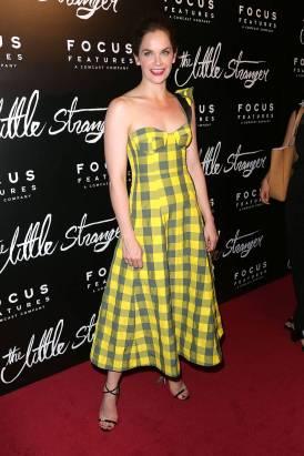 Ruth Wilson in Natasha Zinko al New York Premiere of Focus Theatres' 'The Little Stranger'