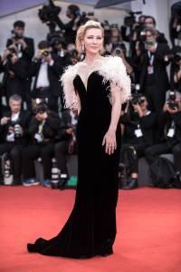 Cate Blanchett in Armani Privè all''A Star Is Born' premiere, Venice