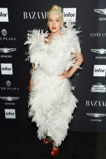 Christina Aguilera inAndreas Kronthaler per Vivienne Westwood al Harper's Bazaar Icons party durante la New York Fashion Week