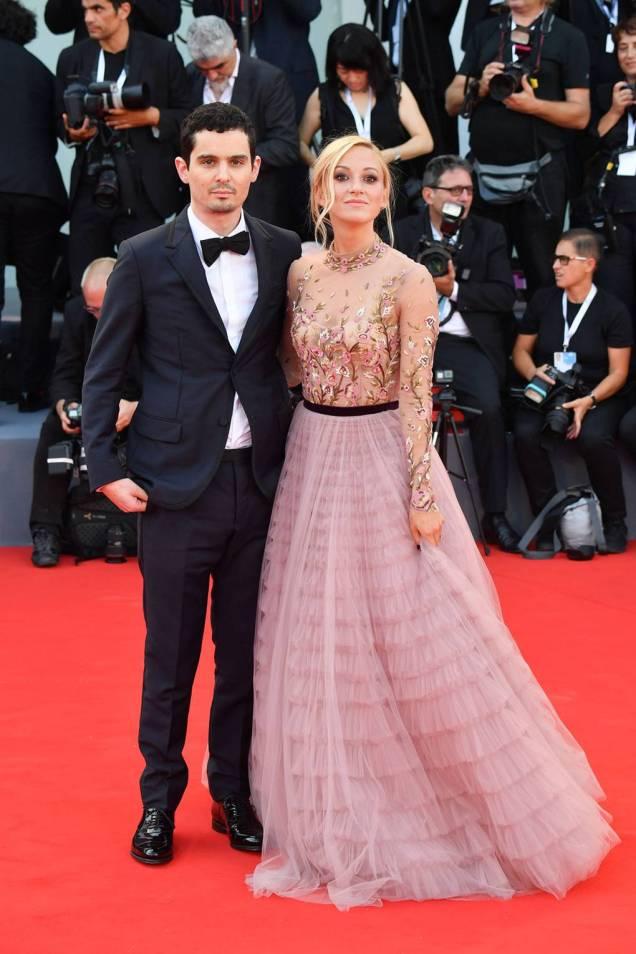 Damien Chazelle e Olivia Hamilton in J.Mendel al Venice Film Festival 2018