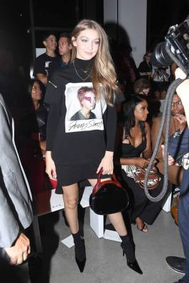 Gigi Hadid al Jeremy Scott Fashion Show, NY