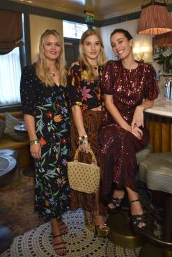 Henrietta Rix, Orlagh McCloskey e Laura Jackson in Rixo al Rixo x Laura Jackson collaboration dinner, London