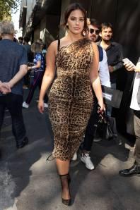 Ashley Graham in Dolce&Gabbana alla Milan Fashion Week