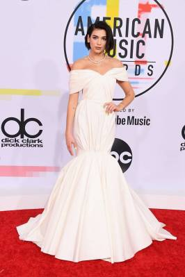 Dua Lipa agli American Music Awards, Los Angeles