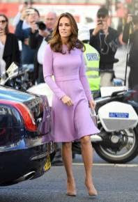 La Duchessa di Cambridge in Emilia Wickstead e borsa Aspinal of London al Global Ministerial Mental Health Summit at County Hall, London