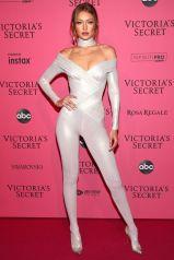 Gigi Hadid in Atelier Versace al Victoria's Secret show after-party,NY