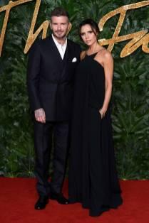 David in Alexander McQueen e Victoria Beckham in una sua creazioneai Fashion Awards 2018, London