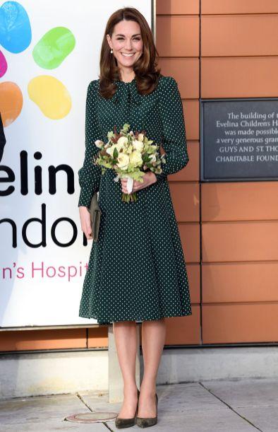 La Duchessa di Cambridge in LK Bennett all'Evelina Children's Hospital.