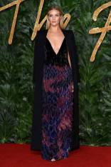 Rosie Huntington-Whiteley in Givenchy Haute Couture ai Fashion Awards 2018, London