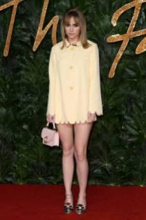 Suki Waterhouse in Mulberry ai Fashion Awards 2018, London