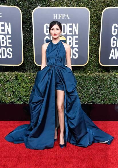 Gemma Chan in Valentino ai Golden Globes 2019