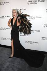 Lady Gaga in Ralph Lauren alla National Board of Review Awards Gala, New York