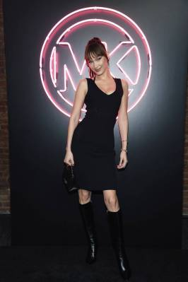 Bella Hadid in MIchael Kors al MICHAEL Michael Kors party, New York